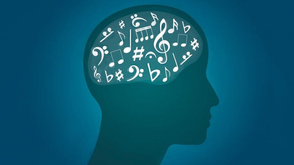 El alzhéimer y el entorno: ¿por qué es importante lo que resalta a la vista, los sonidos y los olores?